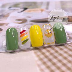 绿色黄色方圆形夏天短指甲手绘可爱小清新美甲图片