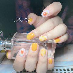 圆形黄色橙色手绘晕染水果跳色夏天美甲图片