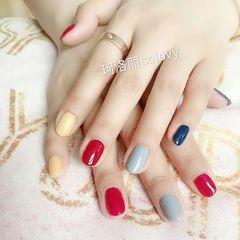 蓝色红色黄色圆形美甲图片