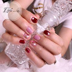 红色圆形短指甲花朵夏天手绘粉色美甲图片