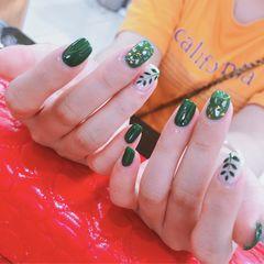 绿色方圆形夏天金箔简约贝壳片手绘树叶美甲图片