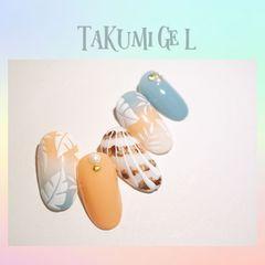 圆形蓝色黄色手绘树叶贝壳夏天美甲图片