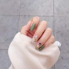 绿色晕染金箔贝壳片金属饰品圆形美甲图片