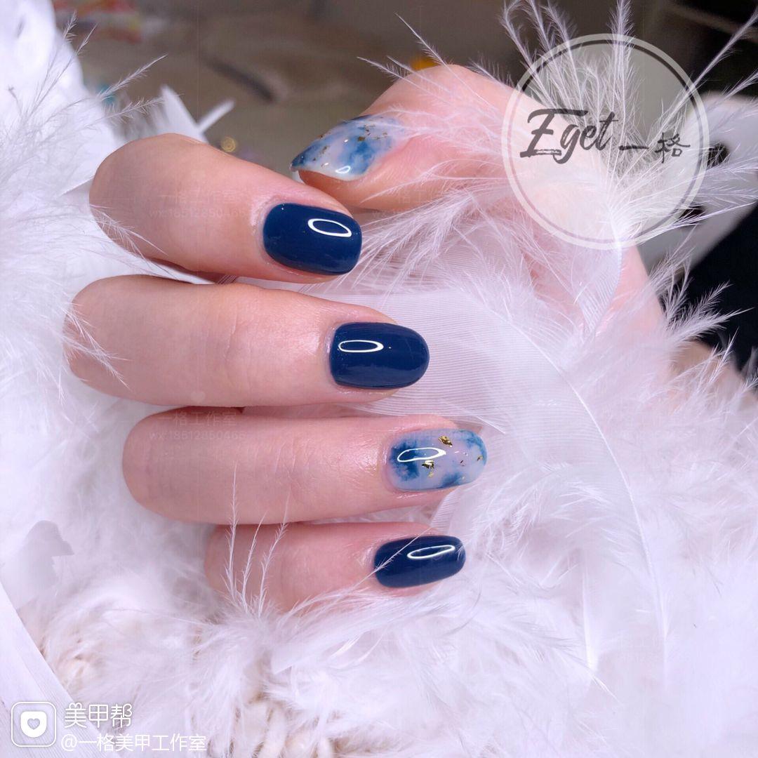 蓝色方圆形夏天晕染金箔上班族日式美甲图片