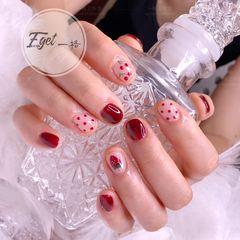 红色夏天短指甲可爱圆形手绘波点水果草莓美甲图片