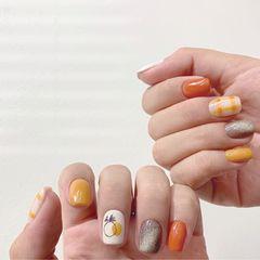 方圆形黄色橙色手绘水果格纹跳色夏天美甲图片