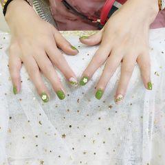 绿色方圆形手绘花朵树叶夏天美甲图片