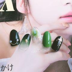 绿色圆形金箔简约贝壳片渐变夏天晕染美甲图片