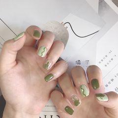 绿色方圆形简约短指甲夏天手绘仙人掌美甲图片