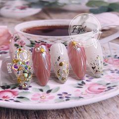 尖形金箔跳色新娘日式粉色钻贝壳夏天美甲图片