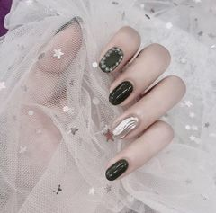 圆形水波纹网红钻魔镜粉黑色美甲图片