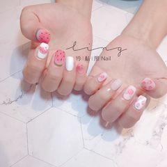 方形夏天水果磨砂手绘白色粉色西瓜美甲图片