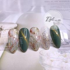 绿色尖形夏天晕染贝壳片手绘日式猫眼石纹美甲图片