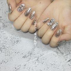 银色圆形日式水波纹魔镜粉镜面钻美甲图片