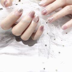 裸色方圆形夏天上班族简约银色水波纹渐变美甲图片