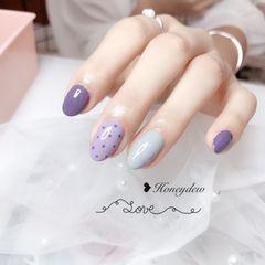 圆形紫色灰色波点美甲图片