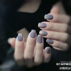 方圆形灰色简约纯色美甲图片
