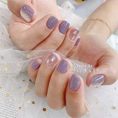 方圆形贝壳片简约渐变紫色美甲图片