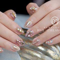 圆形粉色银色珍珠钻新娘日式婚甲👰 新娘子怎能不奢华✨美甲图片