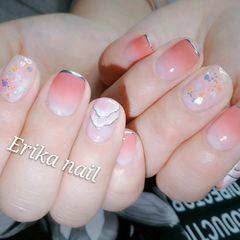 方圆形粉色白色手绘渐变法式亮片美甲图片
