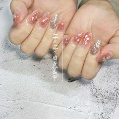 圆形晕染贝壳片金箔水波纹日式粉色银色美甲图片