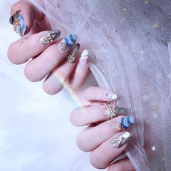 蓝色圆形晕染白色钻金属饰品美甲图片