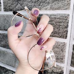 方圆形紫色晕染金箔美甲图片