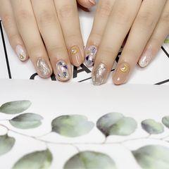 裸色圆形水波纹贝壳片简约银色美甲图片