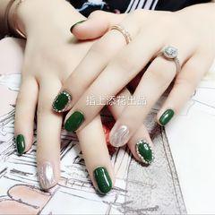 圆形简约绿色银色水波纹钻美甲图片