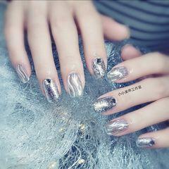 方圆形钻铂金胶魔镜粉美甲图片