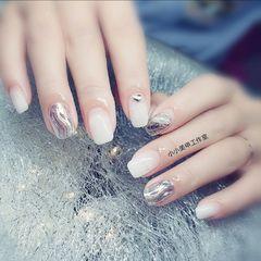 方圆形夏天水波纹跳色简约钻魔镜粉白色银色美甲图片