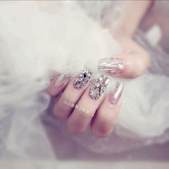 方圆形贝壳片新娘钻魔镜粉贝壳银色美甲图片