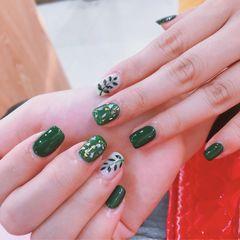 绿色方圆形夏天金箔树叶美甲图片