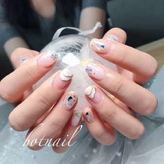 裸色彩色方圆形夏天贝壳片日系美甲图片