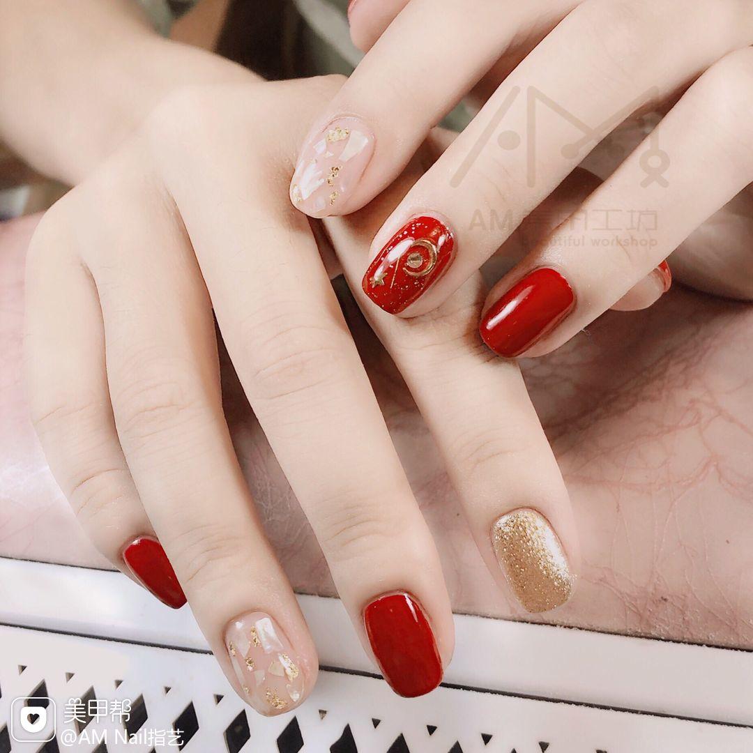 红色金箔贝壳片方圆形新娘跳色美甲图片