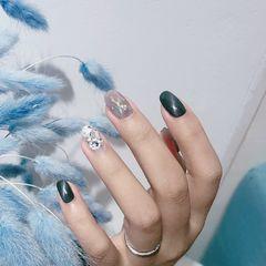 方圆形黑色猫眼钻金箔美甲图片