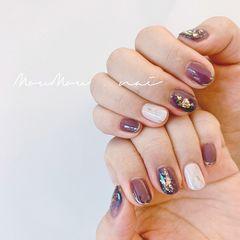 圆形短指甲金箔手绘日式晕染白色紫色美甲图片