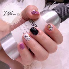 彩色方圆形短指甲手绘可爱小清新美甲图片