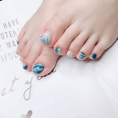 蓝色晕染日式脚部手绘美甲图片
