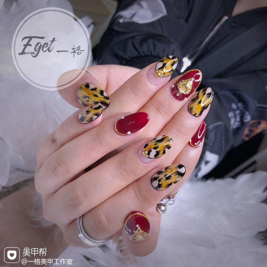 红色圆形秋天手绘日式豹纹美甲图片