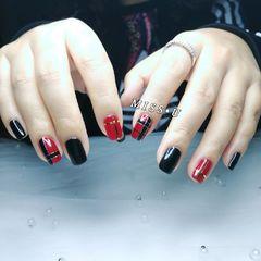 红色黑色方圆形简约格纹美甲图片