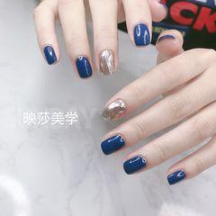 蓝色银色方圆形简约魔镜粉显白水波纹美甲图片