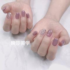 方圆形秋天简约金箔裸紫色美甲图片