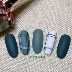 绿色圆形秋天磨砂格纹手绘美甲图片