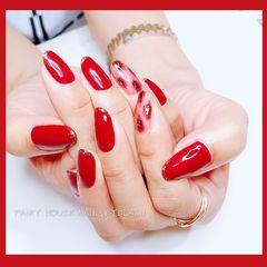 红色手绘豹纹黑色金箔圆形美甲图片