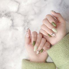 方圆形绿色格子磨砂美甲图片