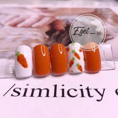 橙色方圆形秋天简约短指甲可爱手绘萝卜美甲图片