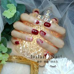 红色方圆形金箔晕染格纹磨砂贝壳片心形新娘美甲图片