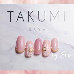 秋天花朵圆形粉色手绘珍珠美甲图片