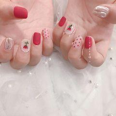 红色方圆形磨砂秋天波点手绘水波纹花朵美甲图片